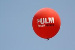 In Ulm demonstrierten die Göppinger Jusos gegen den Aufmarsch der NPD. FOTO: Jusos